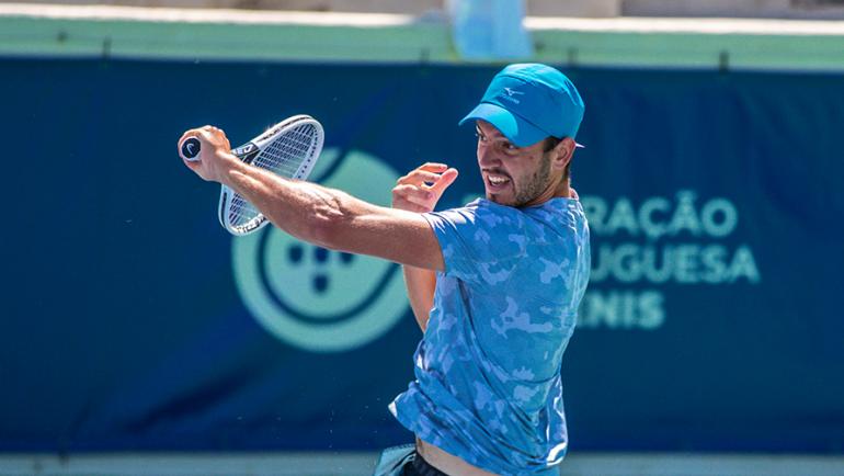 Gonçalo Oliveira ruma aos quartos-de-final do Porto Open